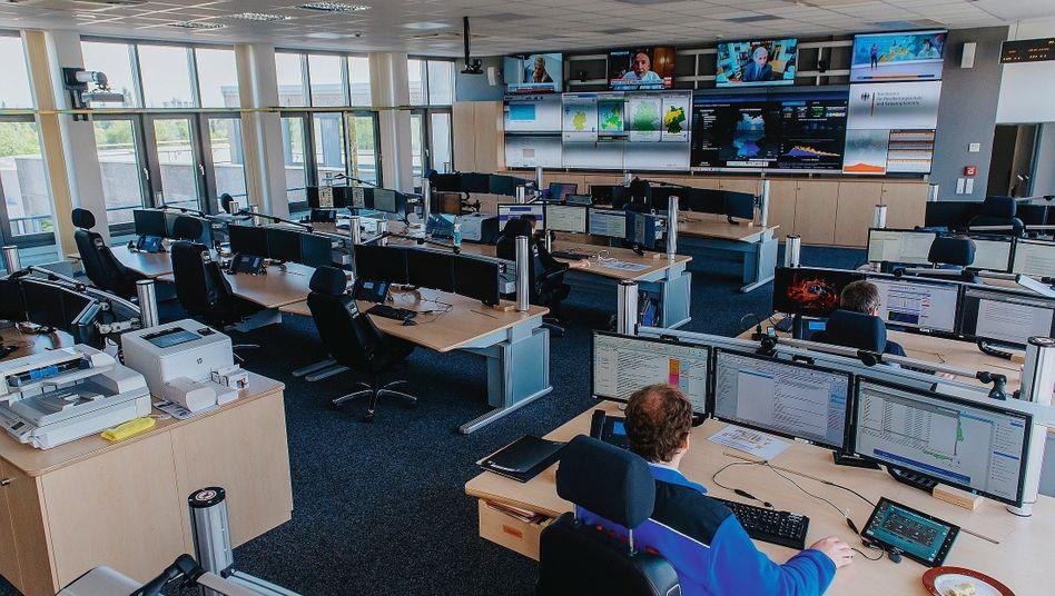 Lagezentrum in Bonn:Jedes Jahr ein dreistelliger Millionenbetrag