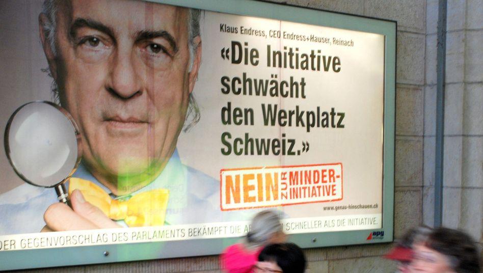Plakat gegen Abzocker-Initiative in Basel: Standort Schweiz in Gefahr?