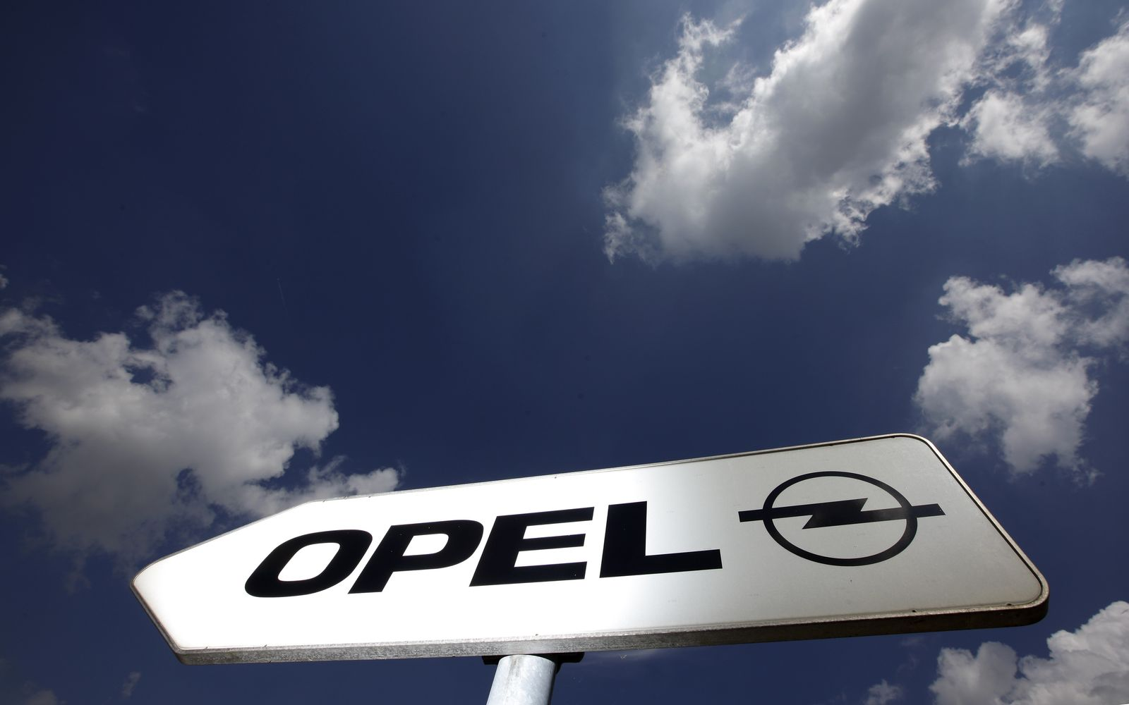 Opel Logo Schild