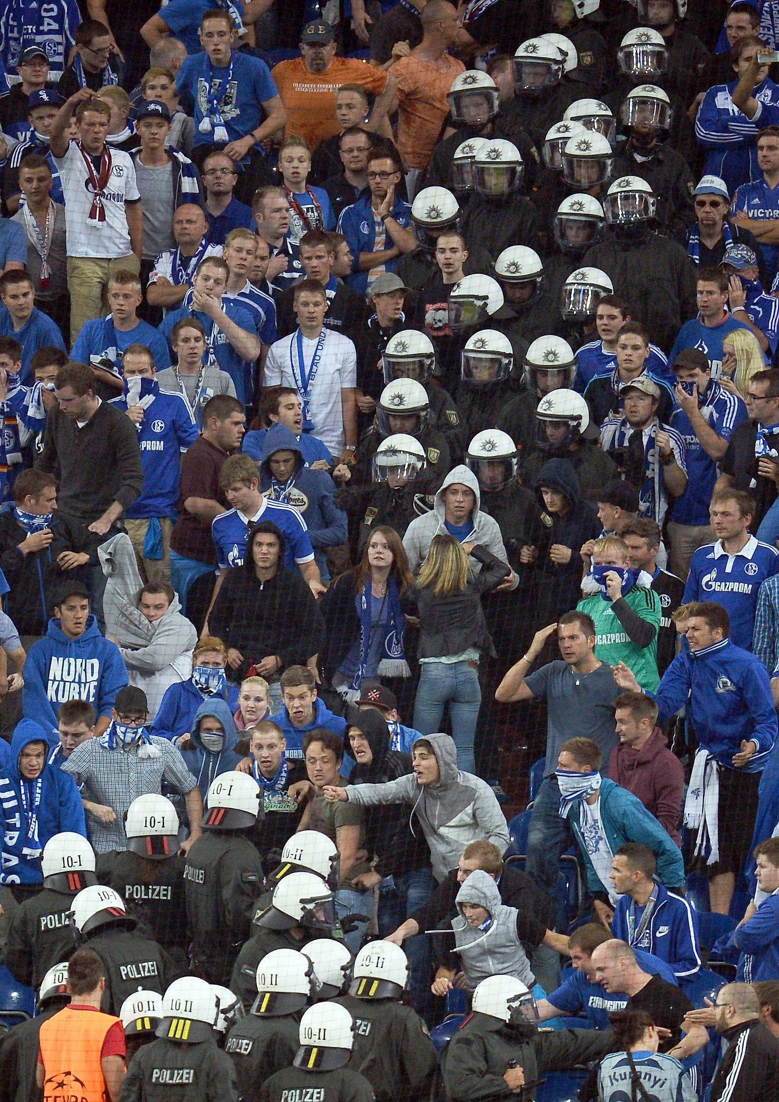 Schalke vs Saloniki / Krawalle