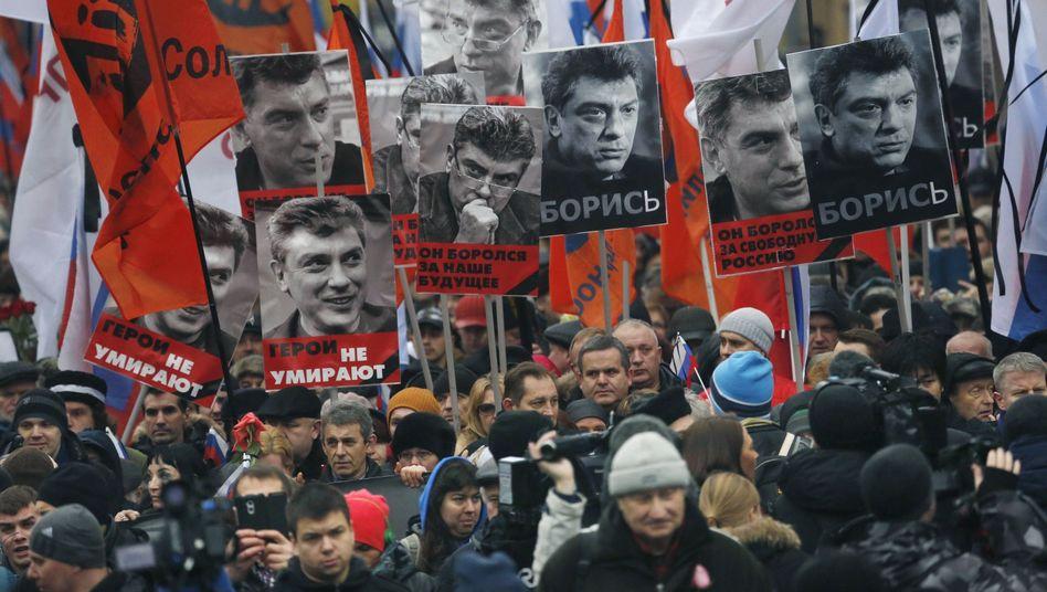 Mord an Putin-Kritiker: Zehntausende trauern in Moskau um Boris Nemzow