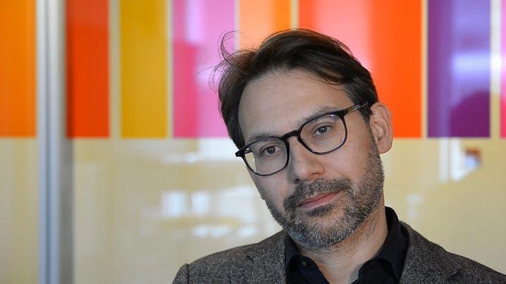 """Video (1:47) """"Einfach weiter wie bisher"""": SPIEGEL-Autor René Pfister über seine langjährige Merkel-Beobachtung"""