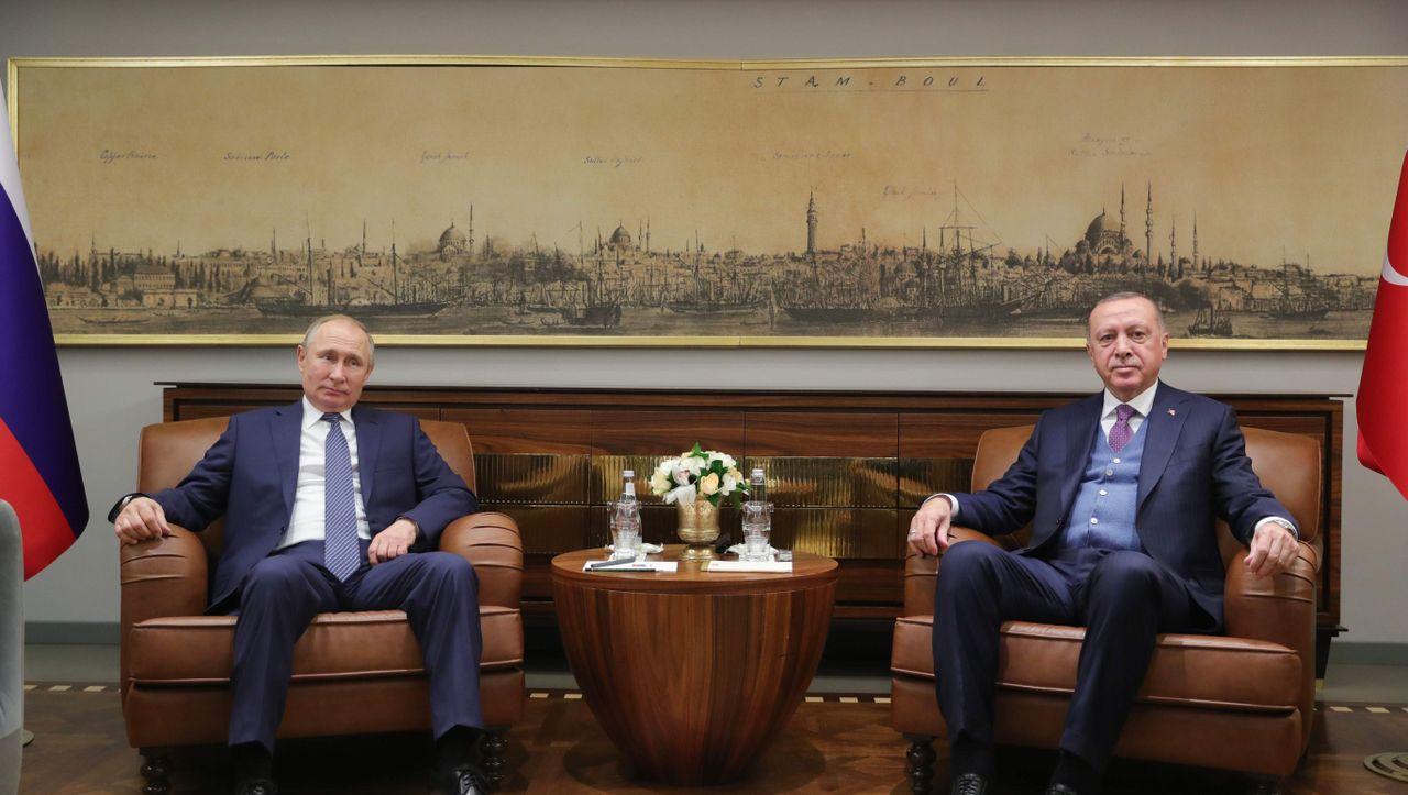 Putin und Erdogan im Libyen-Konflikt: Herren über Krieg und Frieden - DER SPIEGEL - Politik