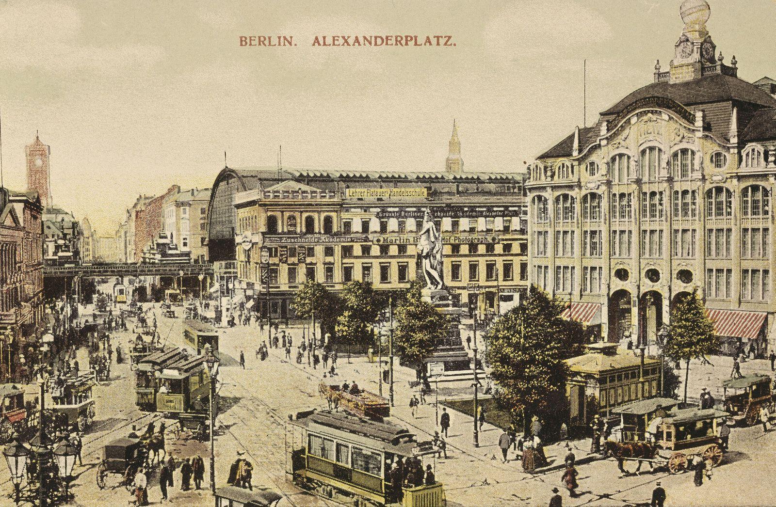 Der Alexanderplatz mit dem Kaufhaus Tietz