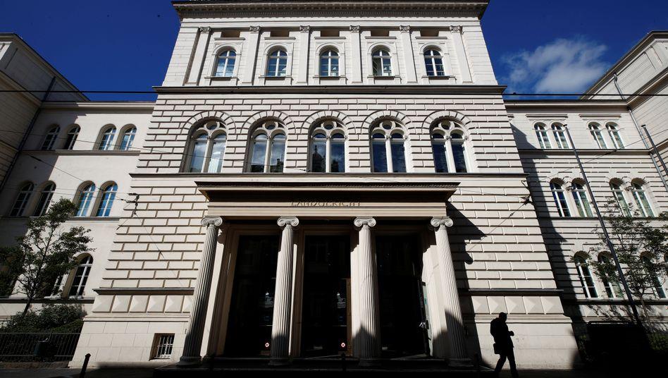 Landgericht Bonn (Archivbild): Cum-Ex-Geschäfte könnten dem Gericht zufolge strafbar sein