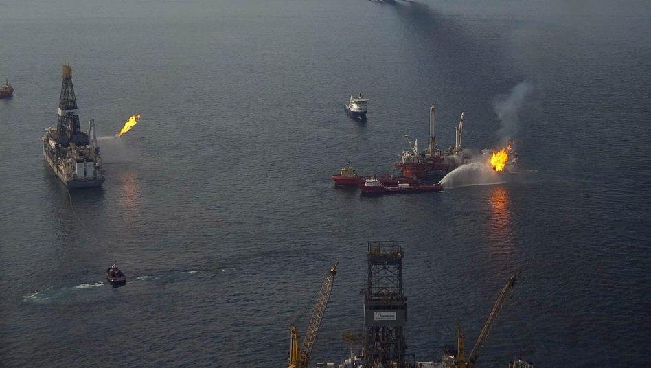 Kontrollierte Ölfeuer im Golf von Mexico: Harter Kurs der Regierung gegen die Konzerne