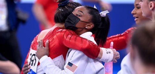 Olympia – Tag 6 im Live-Blog: Simone Biles gratuliert Teamkollegin Lee zu Gold