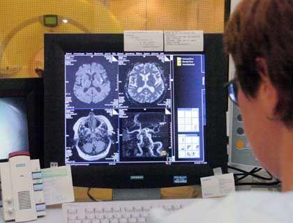 Hirnscan: Wer trifft eigentlich die Entscheidungen? Der Mensch oder das Gehirn?