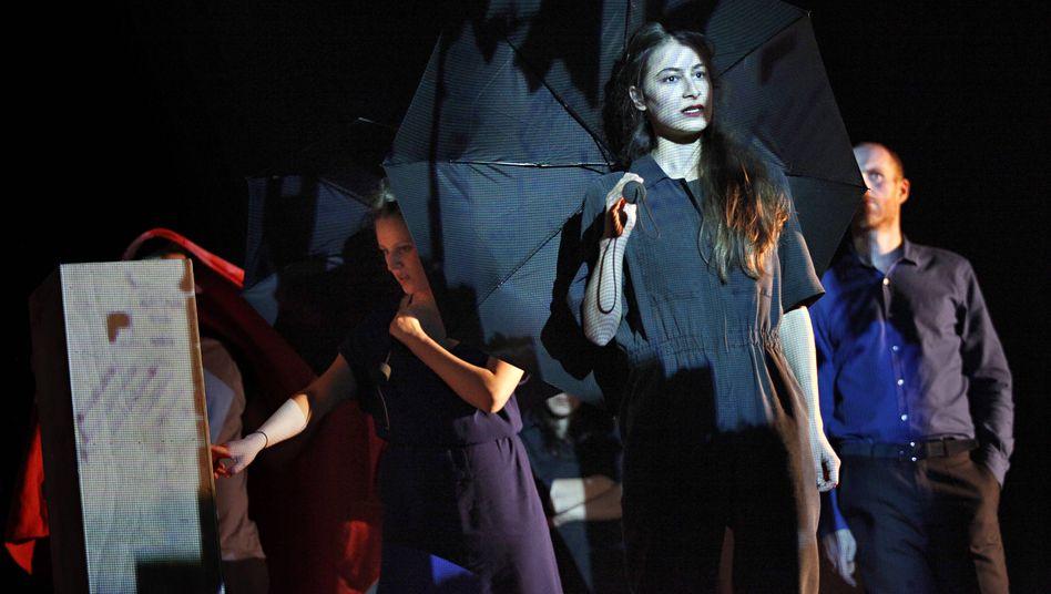 Schauspielerin Meded in »Common Ground« am Berliner Gorki Theater 2014: »Ich würde gern andere Menschen dazu bewegen, den Mund aufzumachen«