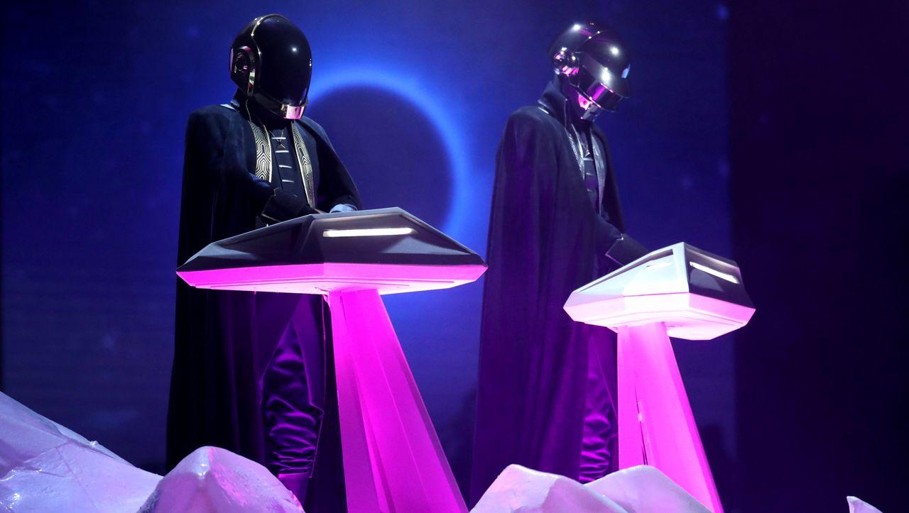 Zur Auflösung von Daft Punk: Diese Roboter-Hymnen bleiben unvergessen - DER SPIEGEL