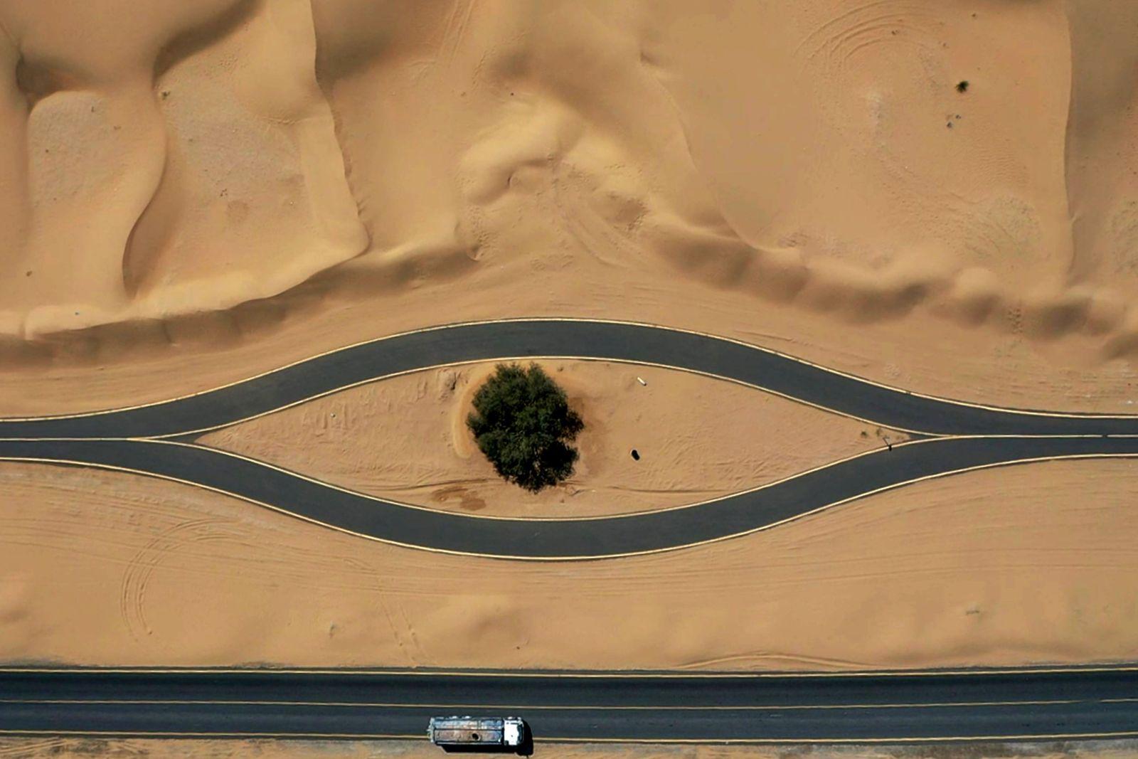 TOPSHOT-UAE-DUBAI-CYCLING-TRACK