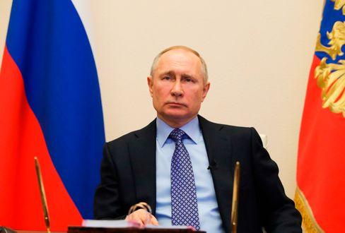 Russlands Präsident Putin will Donald Trump in der Krise helfen, ganz selbstlos handelt er dabei wohl nicht