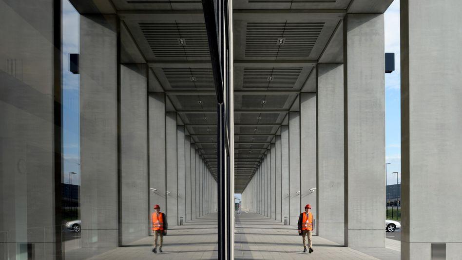 Nordpier des Hauptstadtflughafens in Schönefeld: Besser als Mahnmal