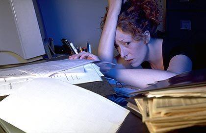 Stress bei der Arbeit: Eine zu hohe Belastung kann das Gehirn verändern