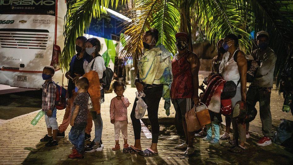 "Venezolanische Migranten in Bucaramanga, Kolumbien:""Maduro hat unser Land zerstört"""