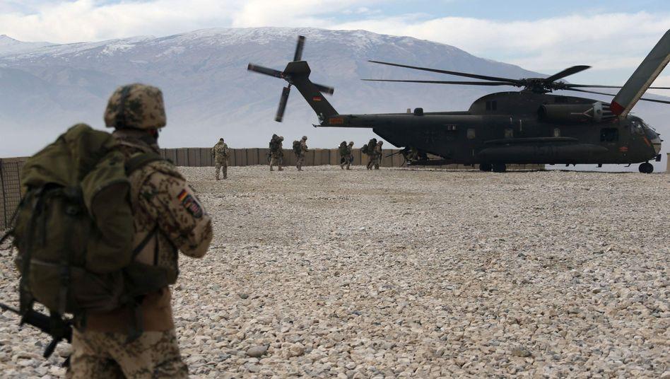 Bundeswehr in Afghanistan (2012): Mehr Einsätze im Ausland?