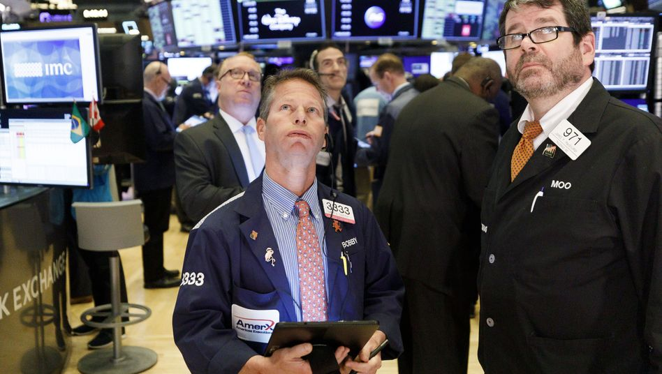 Besorgte Blicke an der US-Börse: Der Dow Jones fiel um 13 Prozent