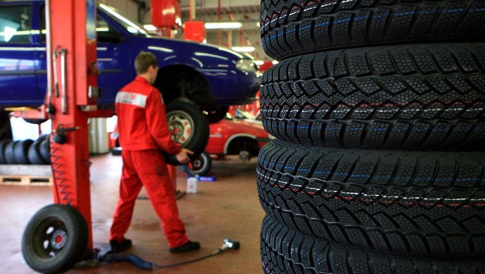 Winterreifen-Montage: Ramsauers Ukas ist wie eine Abwrackprämie für die Reifenindustrie