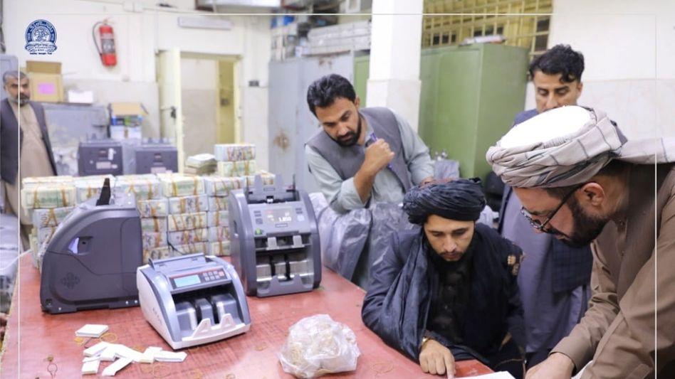 Mitglieder der Taliban in der afghanischen Zentralbank