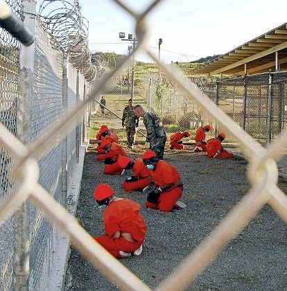 """Gefangene in Guantanamo: Hunderte sind hier als """"feindliche Kämpfer"""" inhaftiert"""