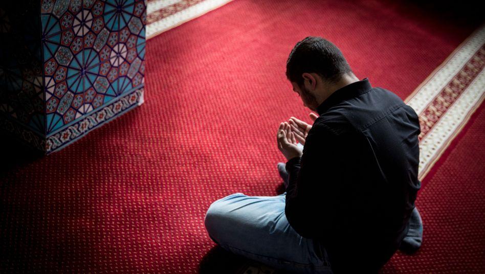 """Betender Muslim in Hamburg: """"Aus dem deutschen Wir herausdefiniert"""""""