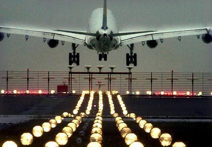 Landendes Flugzeug in Frankfurt: Massiver Anstieg in den vergangenen 16 Jahren