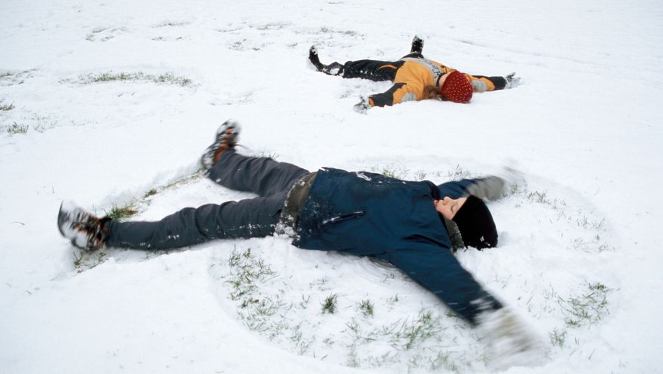 Endlich Schnee, endlich wieder ein anderes Kind - ein Lichtblick für meinen Sohn in der Pandemie (Symbolbild)