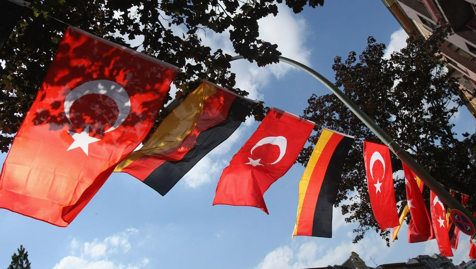 German and Turkish flags in Berlin