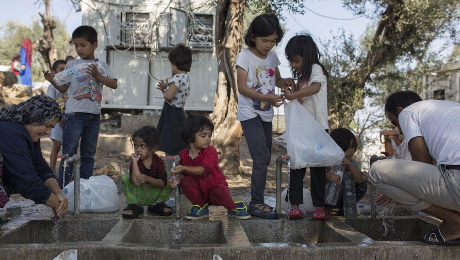 Wasserstelle nahe dem Flüchtlingslager Moria auf Lesbos