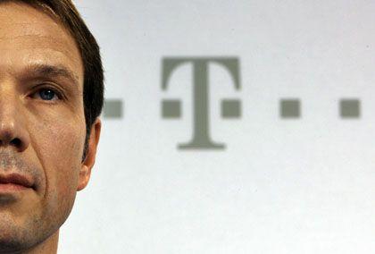 Telekom-Chef Obermann: Will künftig offener über Missbräuche berichten