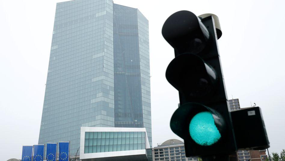 EZB-Gebäude in Frankfurt: Grünes Licht