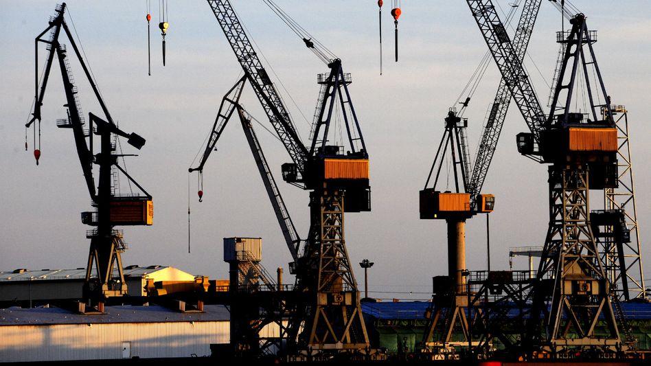 Kräne im Hamburger Hafen: Wo kommt künftig das Wirtschaftswachstum her?