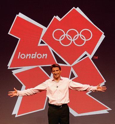 Sebastian Coe, Chef des Olympia-OKs, bei der Logo-Präsentation: Große Aufregung