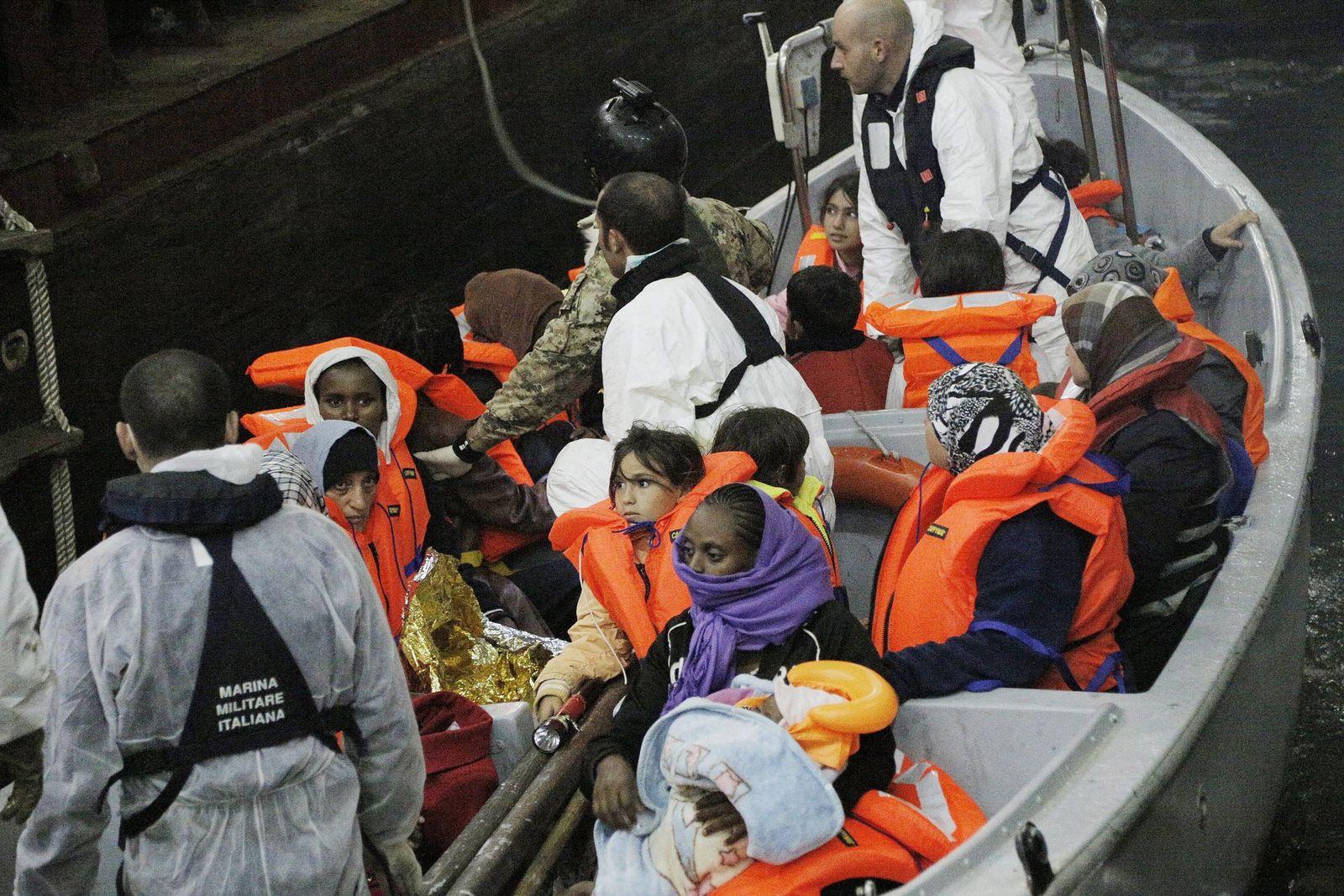 Over 800 migrants intercepted crossing Mediterranean