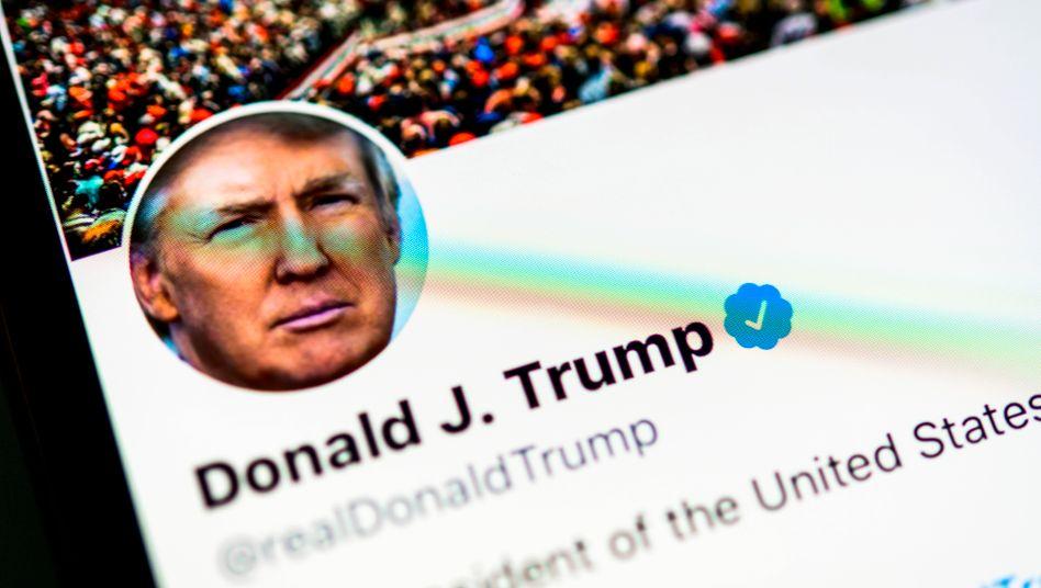 Donald Trump auf Twitter: Sperre für mindestens zwölf Stunden