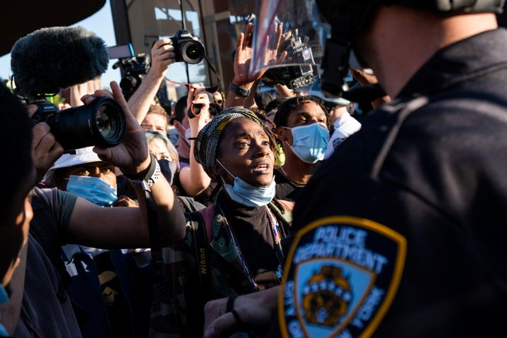 """Proteste in New York: """"Viele von ihnen tragen Gott sei Dank Masken, aber es gibt keinen Abstand"""""""