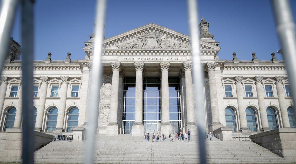 Reichstag in Berlin: Haushaltsausschuss bremst Großprojekt