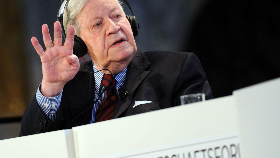 Lässt auch mal fünfe gerade sein: Ex-Kanzler Helmut Schmidt in Hamburg