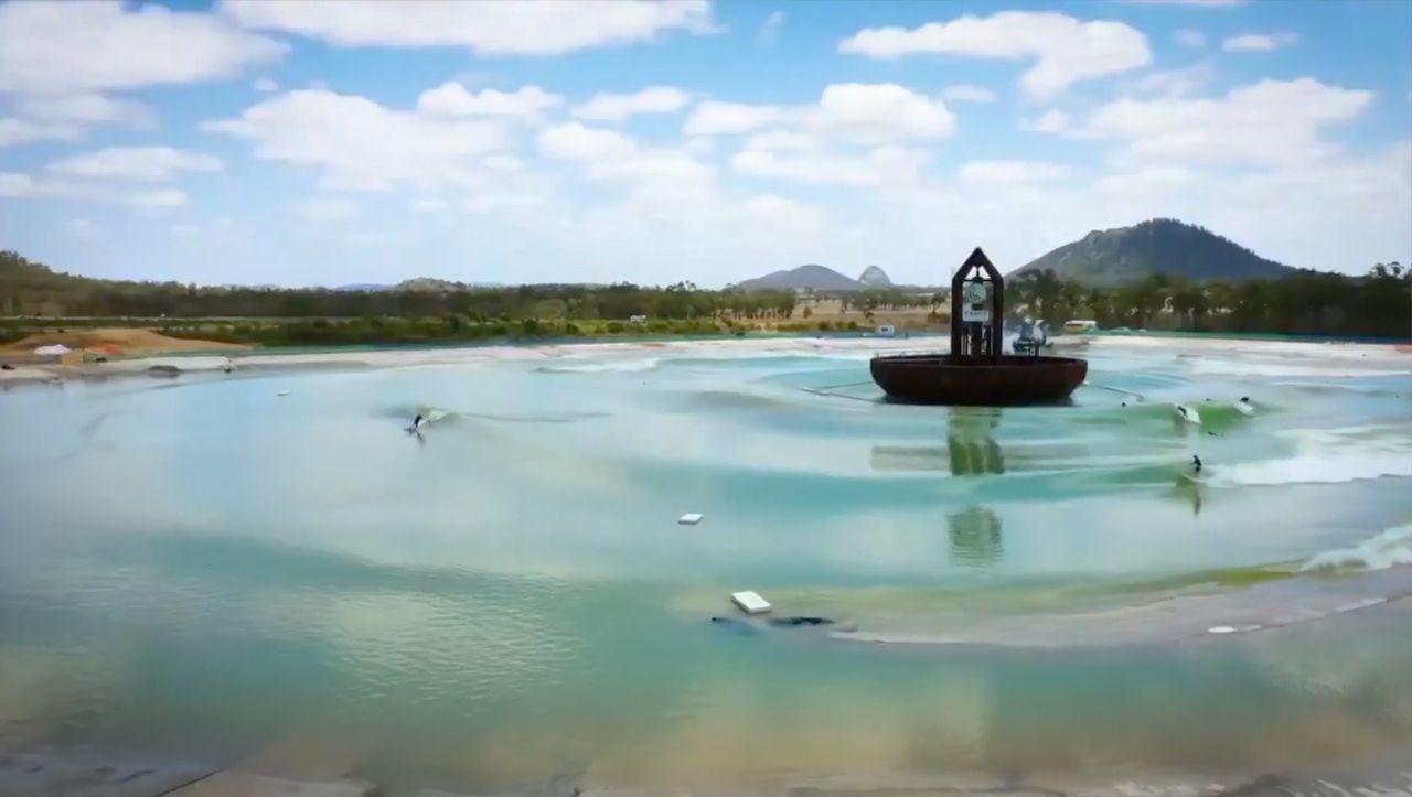 Prototyp für Surfanlagen: Der Fünffach-Wellenmacher