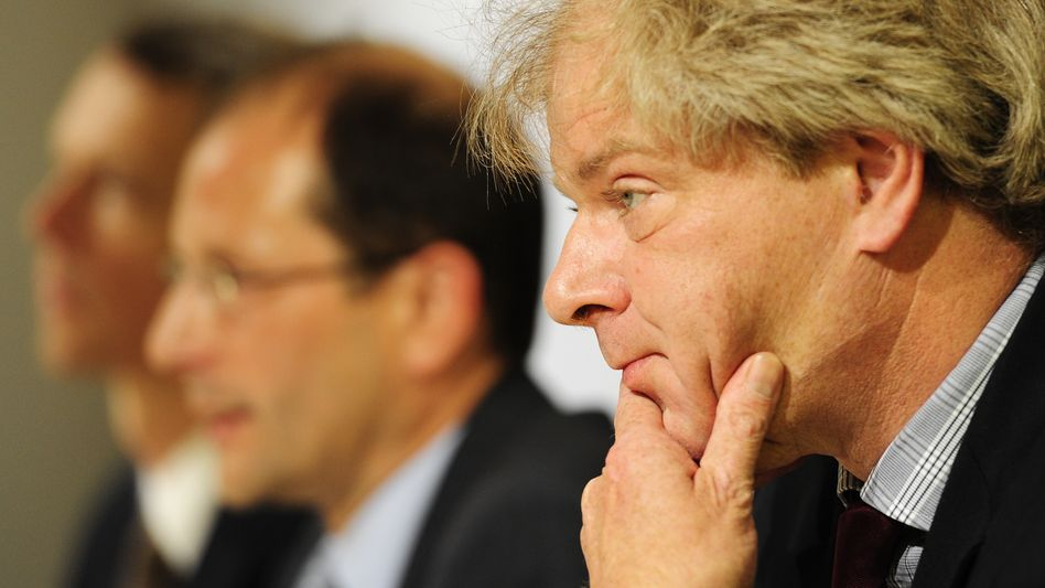 Saxony's domestic intelligence chief Reinhard Boos, who resigned on Wednesday, during the presentation of the state's intelligence report last week in Dresden.