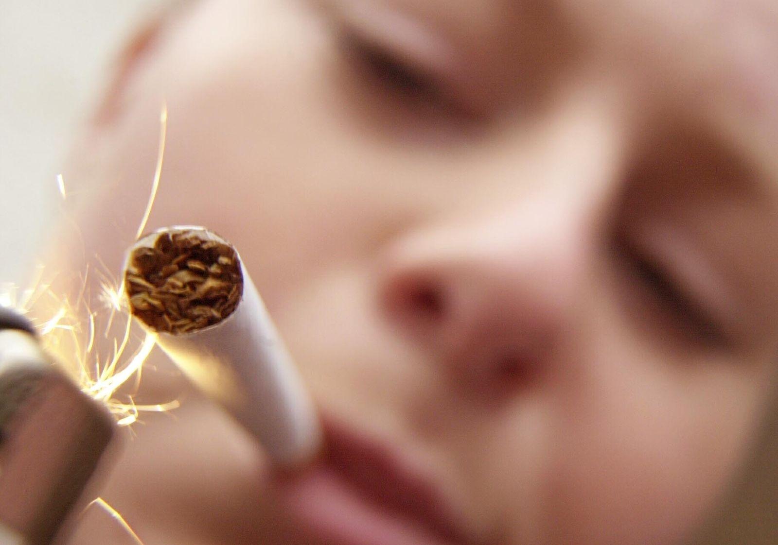NICHT VERWENDEN Rauchen/ Jugendliche