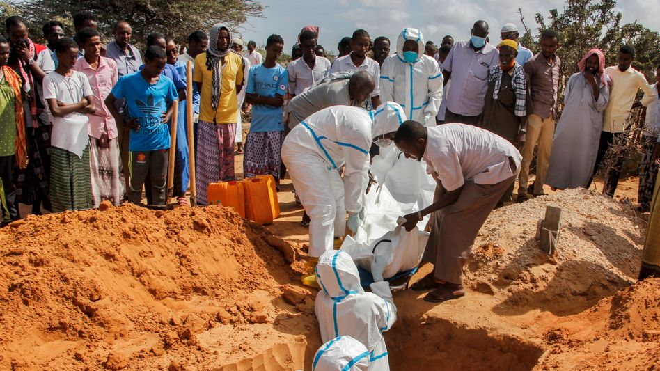 Beerdigung in Mogadischu: Afrika k??mpft gegen das Coronavirus
