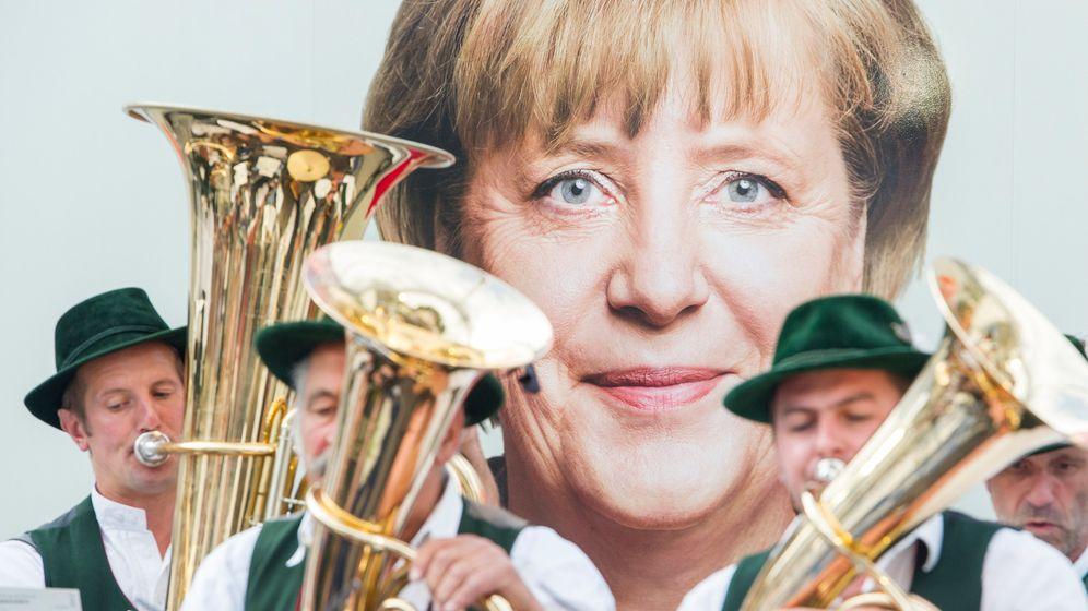 Photo Gallery: Bavarian Politicians Doing Bavarian Things