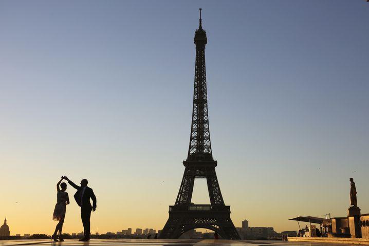 Steht schon ganz schön lange da: Der Eiffelturm. Seit 1889, genau gesagt. Wussten Sie das auch?