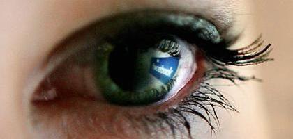 Facebook-Nutzer im Blick: Die Klickpfade in solchen Netzwerken können Werbern helfen, Banner-Anzeigen zu personalisieren