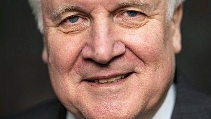 Minister Seehofer: Wochenlang gerungen