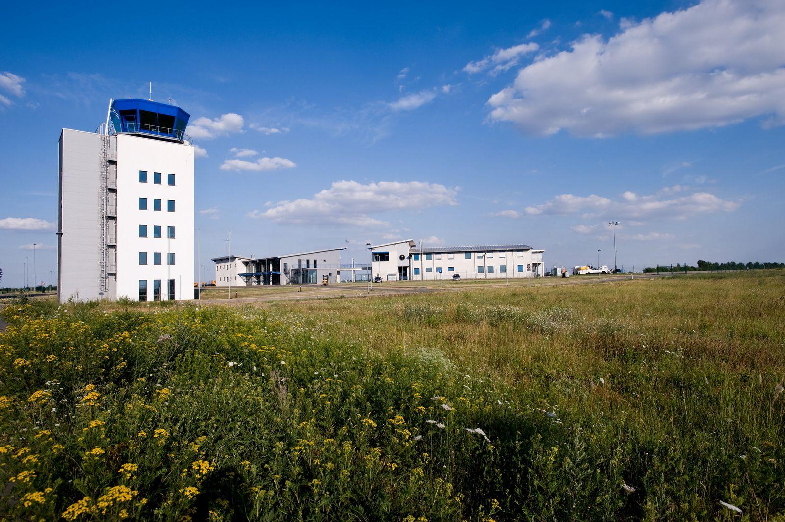 NICHT VERWENDEN Flughafen Cochstedt