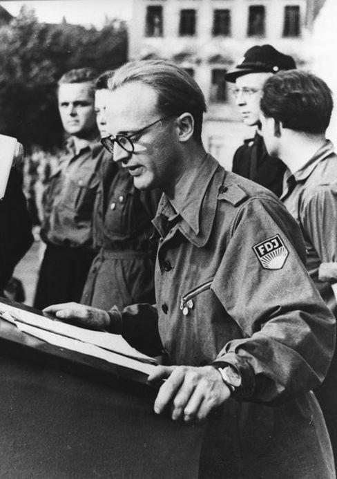 Funktionär Heinz Lippmann (1953 in Dresden): Predigte Vertrauen zur SED, verschwand aber später mit der FDJ-Kasse