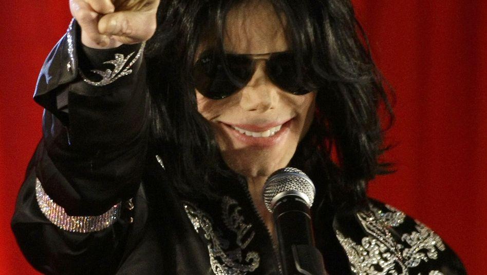 Michael Jackson bei seiner letzten Pressekonferenz 2009:
