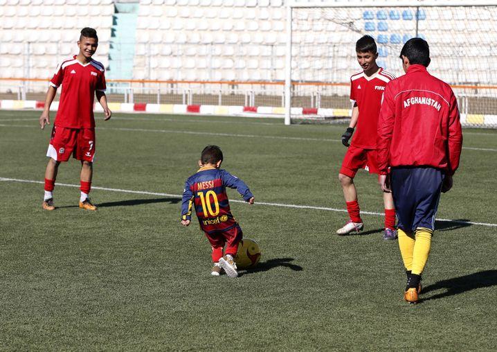 Messi-Fan Murtaza: Training mit afghanischen Jugendspielern